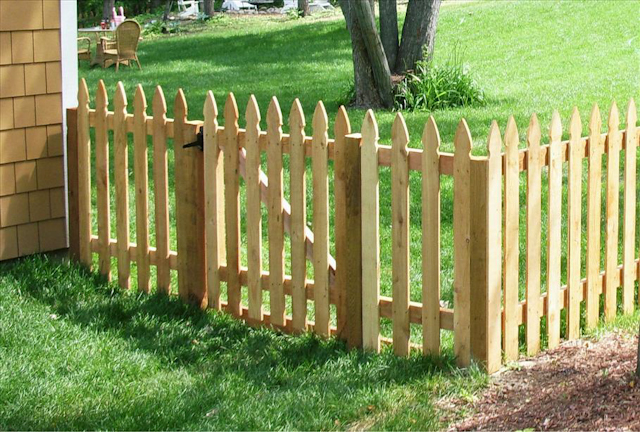 Cedar Picket Fences Mn Fence Installation Company Dan S Fence