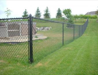black-vinyl-coated-chain-link